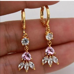Pink heart gold angle drop earrings